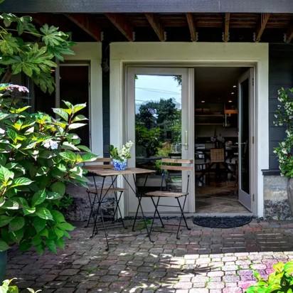 Cole heather allen honeymoon in seattle blueprint registry airbnb retreat 4 night stay malvernweather Image collections